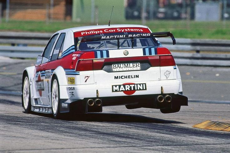 Alfa Romeo 155 DTM race car Cutting corners -curb check