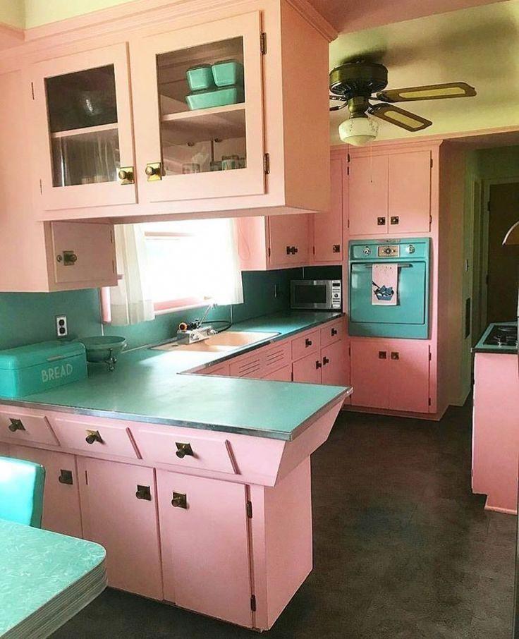 cute vintage kitchen 1950skitchen kitcheninteriordesignvintage retro kitchen interior on kitchen interior classic id=69793