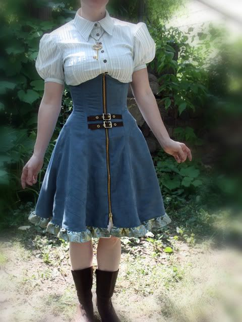 Loving this cute little Steampunk-lite dress. I could actually see myself going to the store in this one, unlike some things that I love but aren't exactly practical for daily wear.