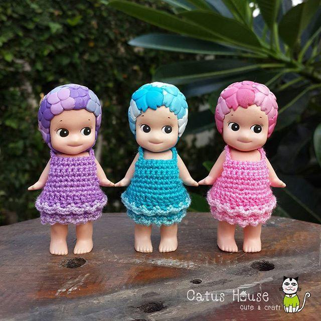 ชุดกระโปรง หกสิบ บาท บ้านนี้มีแต่ของน่ารัก มีแบบชุดให้เลือกชมมากมาย เชิญห้องนี้ค่ะ #Costumedoll_by_CatusHouse สนใจ ถูกใจ สอบถามได้นะคะ  Line id: catushouse  #crochet #sonnyangel #sonnyangelthailand #crafts #handicraft #doll