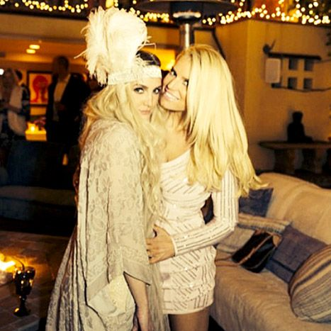 Jessica Simpson Celebrates at Ashlee Simpson, Evan Ross' Engagement - They look so lovely!