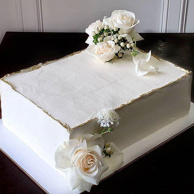 Wer hat gesagt, dass ein Blechkuchen langweilig sein muss ?! Dieser Kerl begleitete die Mehendi Hochzei …   – cakes