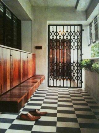 Scissors gate aka collapsible gate-company:lian yew seng;http://www.yonghupseng.com