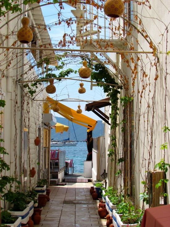Side street leading to my favorite Bodrum cafe