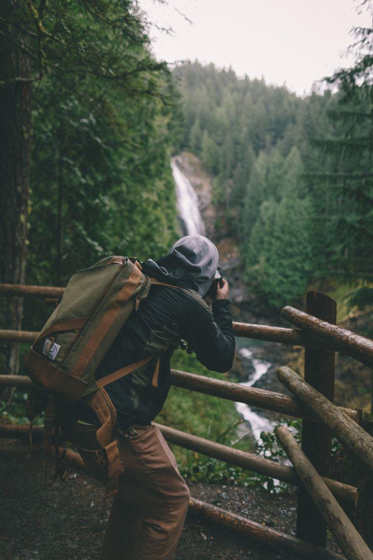 Uma mochila confortável te acompanha da hora  do embarque até passeios e aventuras no campo.