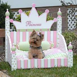 Prissy Princess Royal Dog Bed