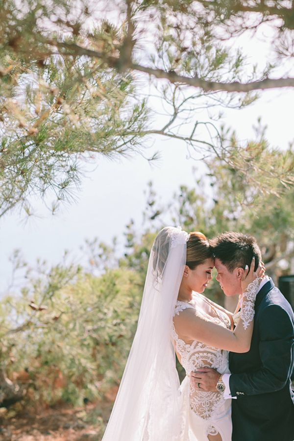 chic destination wedding in Santorini