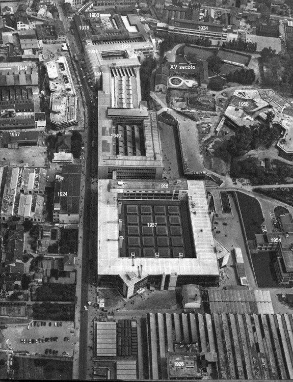 Fabbriche Olivetti - corte interna progetto Eduardo Vittoria