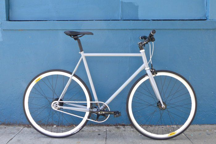 Bicicleta urbana fixie modelo Naïve a partir de $199.900. Disponible también en híbrida con cambios! Visita armatubici.cl !