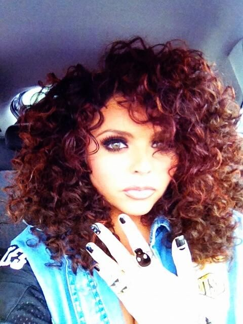 love this hair! i wish i could do that to mine but it'd prob look weird