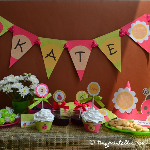 A lovely theme for spring and early summer. It also works very well if you have a backyard party or a celebration in a park.