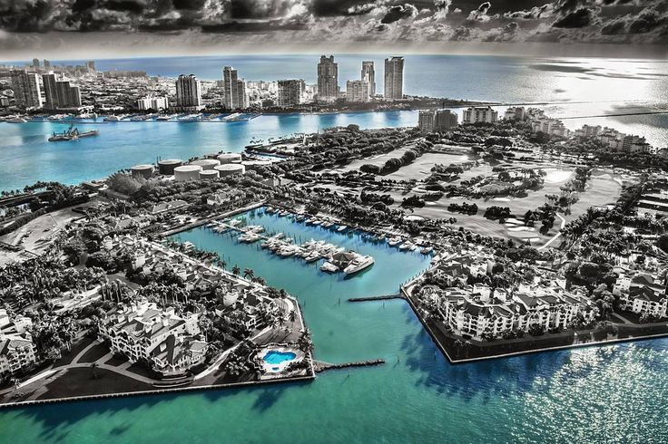Accessible only by boat Fisher Island is said to have the highest per capita income of any Zip code in the US. . . . @lifestyle_miami  @themiamiguide  @miamibeach_florida . . . Prints available in our store. . . .