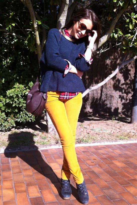 El mostaza es uno de los colores estrella de la temporada y ofrece un montón de posibilidades a la hora de lucirlo. ¿Necesitas ideas? A través de este resumen de los looks de Paula te enseñamos como lucirlo en vestidos, abrigos, pantalones, accesorios, etc. Empezamos! Little mostaza dress Recuerda este post Pitillo Recuerda este post […]