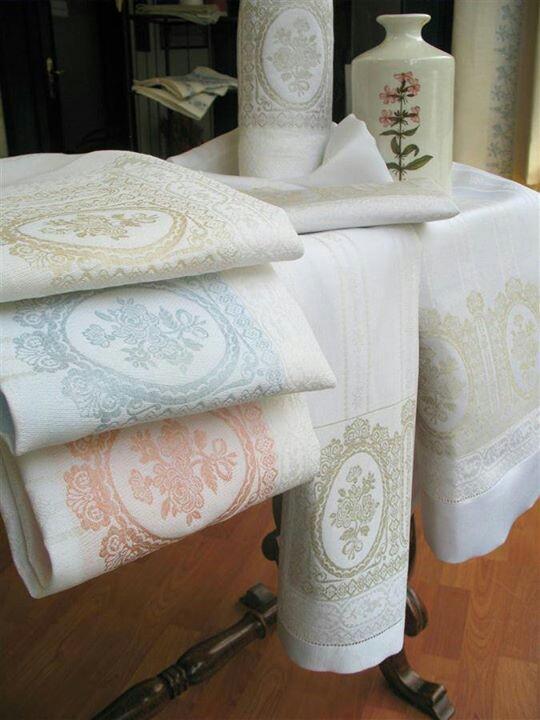 Diferentes dise os en nuestras nuevas toallas italianas for Accesorios para colgar toallas