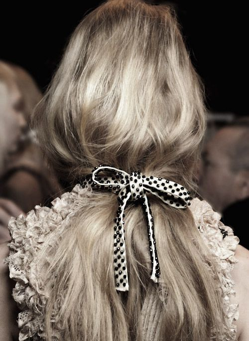 loose ponytail: Fashion, Polka Dots, Hairstyles, Hair Ribbons, Beautiful, Hair Ties, Hair Bows, Hair Style, Hair Accessories