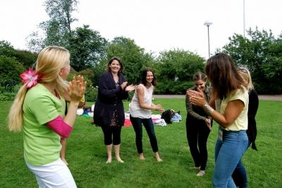 Laughter Yoga by Institute of Happiness @Helsinki, Finland (www.onnellisuusopisto.fi)