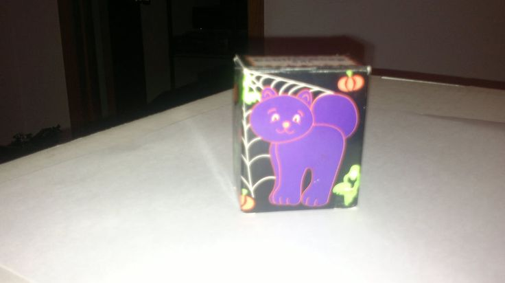AVON KITTY CAT SOAP WITH BOX (Never Used) Collectible