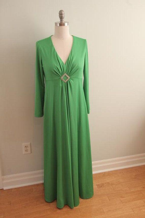 1970\'s Emerald Green Jersey Knit Evening Gown   vintage   Pinterest ...