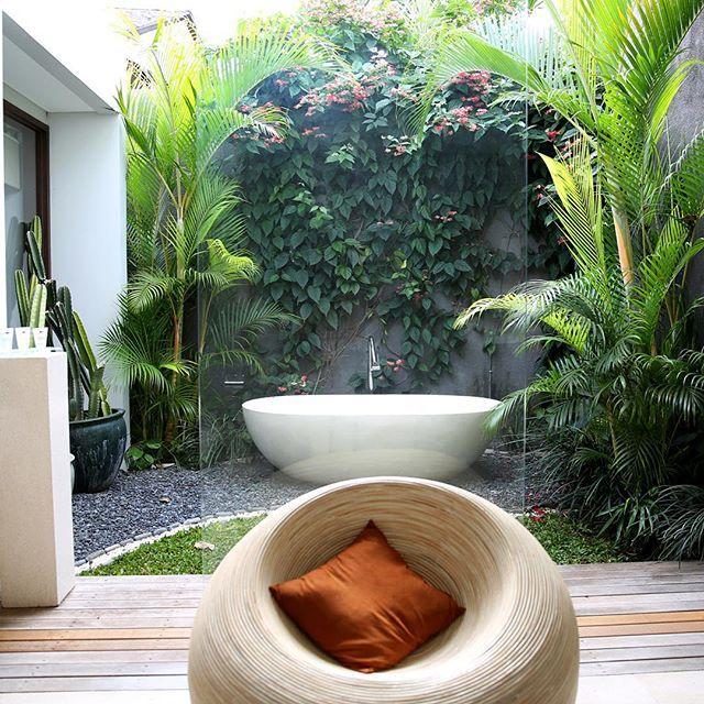 Gorgeous bathrooms at The Layar. #thelayar #design #designerbathrooms #designervillas #bali #villa #luxuryvilla