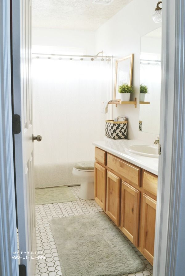 1000 ideas about budget bathroom makeovers on pinterest for Inexpensive bathroom updates