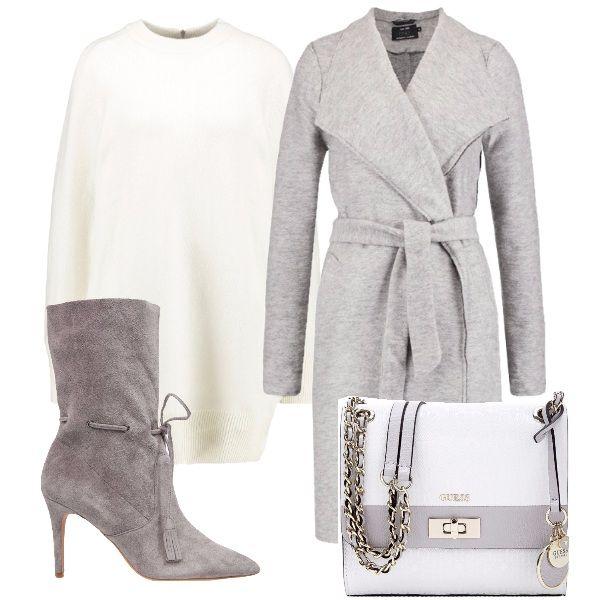 L'accostamento bianco/grigio chiaro regala al look un allure delicata e raffinata. Il cappottino vestaglia, abbinato ad un vestito di maglia in un bianco candido, a degli stivaletti grigi e tracollina in tinta sono perfetti se volete stupire.