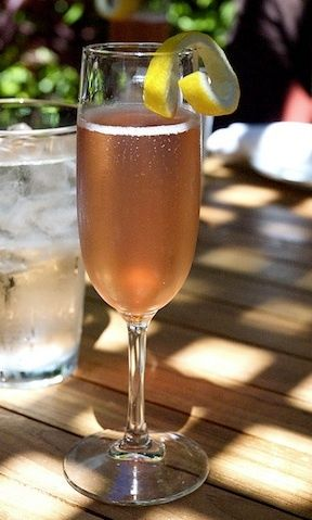 Top 5 Wine Cocktails:    The most popular drinks and how to make them