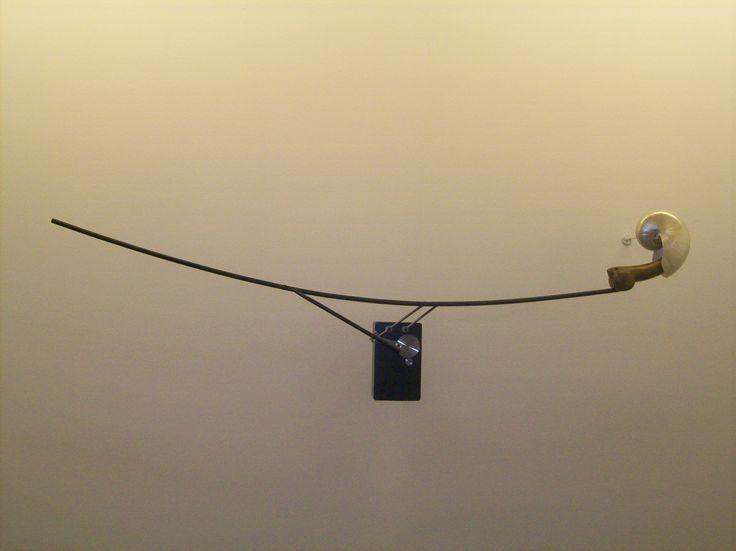 """Rebecca Horn   Muschelschlaf Liebesflucht, 2009 [Foto personali della visita alla Mostra """"Fata Morgana"""", Fondazione Bevilacqua La Masa, Venezia (2009)]"""