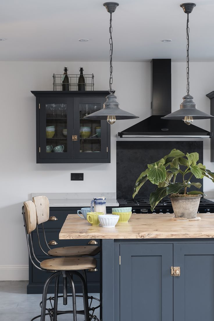 Industrial and Moody Modern Gothic London Home | Gothic ...