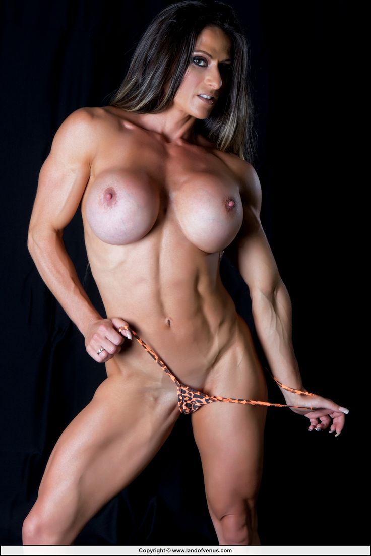 Muscular woman blowjob