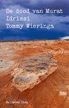 Gevonden via Boogsy: #ebook De dood van Murat Idrissi van Tommy Wieringa (vanaf € 9,99; ISBN 9789048836871). De veerboot van Tanger naar Algeciras, een felle wind jaagt door de Straat van Gibraltar. In het ruim van het schip, verscholen in de kofferbak van een auto, sterft een jongeman.<br /><br />Met de dode verstekeling in hun auto rijden twee jonge Marokkaans-Nederlandse vrouwen even later Spanje binnen. Groot en leeg strekt het land zich voor ze uit. Aan weerszijden van... [lees verder]