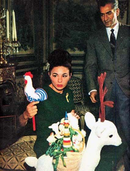 17 best images about history of iran on pinterest for Shah bano farah pahlavi