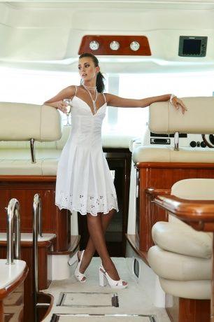 Роскошный сарафан из батиста с шитьём на тонких бретелях, приталенный с рельефами, переходящими в бантовую складку. www.bekareva.ru #SvetlanaBekareva #dress #платье #sarafan