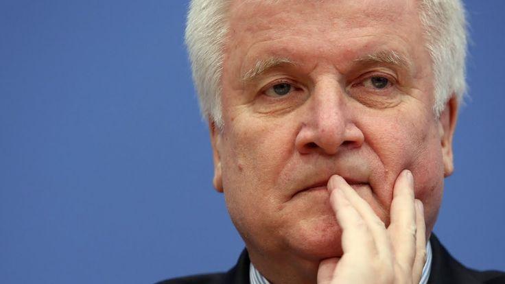 Horst Seehofer: 3 bis 9 Millionen Flüchtlinge in Deutschland