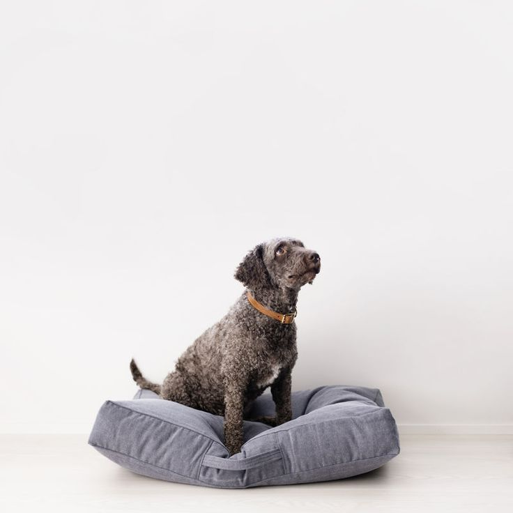Höyhensaari dog bed, Indigo