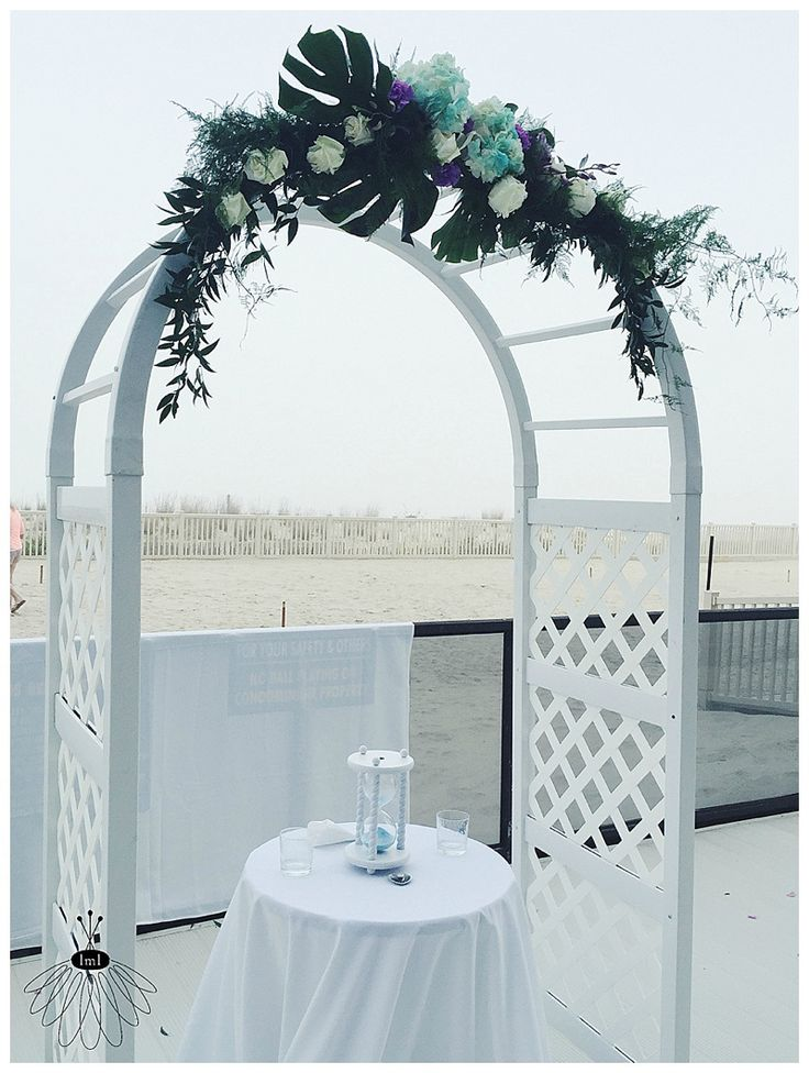 little miss lovely floral design // ocean city beach wedding // archway flowers