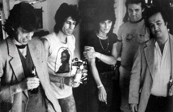 childofrock:Mick Jagger, Keith Richards, Ron Wood, Bill Murray and John Belushi backstage at Saturday Night Live.