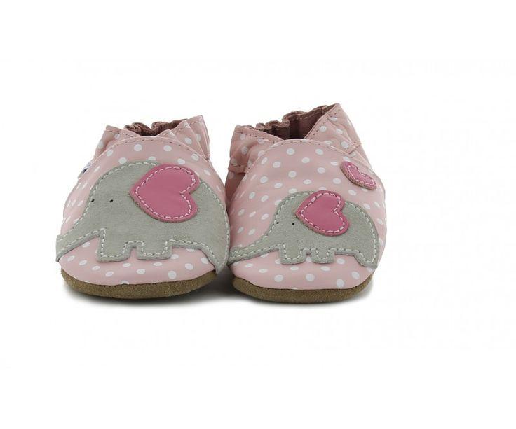 LITTLE PEANUT Rose Clair - Robeez Ces chaussons souples fille en cuirs sont flexibles et s'adaptent à tous les mouvements du pied de Bébé. http://www.kickers-and-co.com/chaussures-robeez/58-little-peanut-rose-clair.html #robeez #chaussonsbebe #fille
