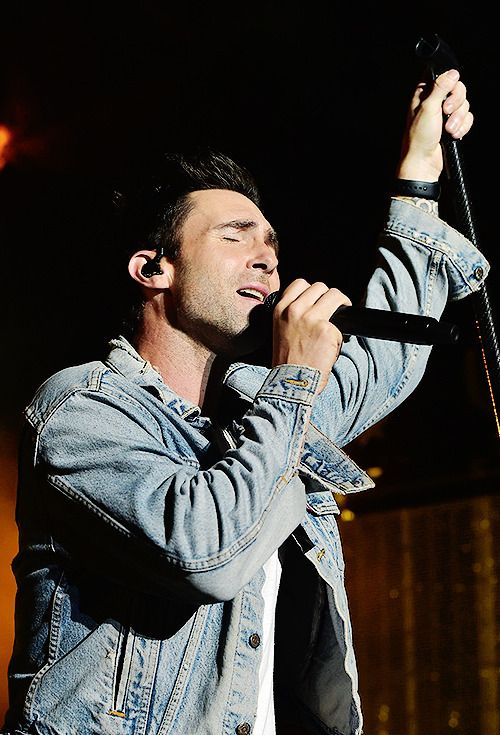 """ouradamlevine: """"  165 of ∞ pictures that prove that Adam Levine is hot af """""""
