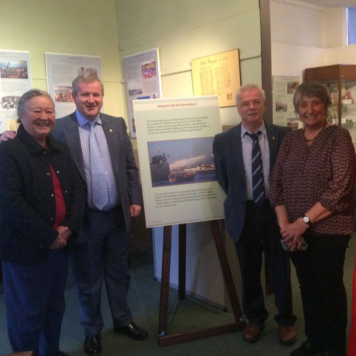 Ian Blackford, MP for Skye, Ross and Lochaber visits Ullapool Museum with local councillor Ian Cockburn. Seen here with volunteers Pauline and Robbie who worked on the Klondyker exhibition