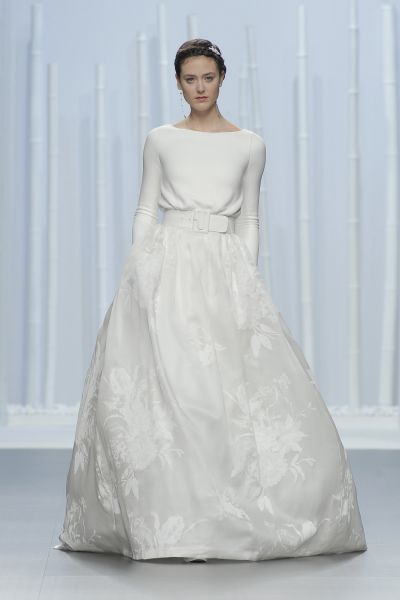 Découvrez les robes de mariée les plus spectaculaires de Rosa Clará pour 2016 Image: 27