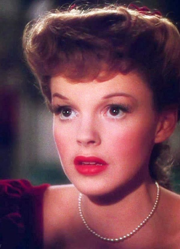 30 best The Judy Garland Show images on Pinterest | Floral wreath ...