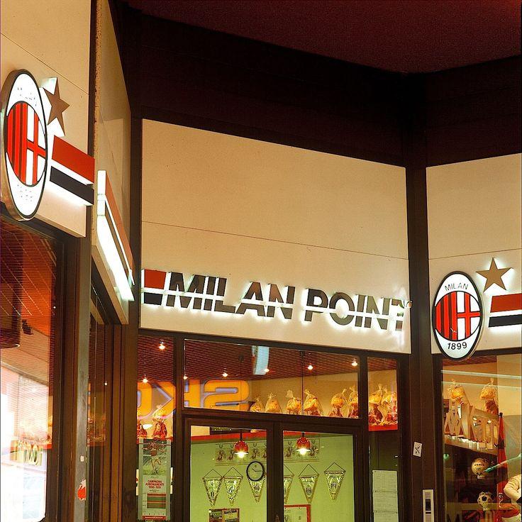 insegne negozi, insegne luminose negozi, insegne negozi AC Milan