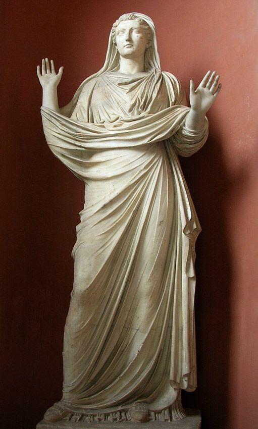 Livia, esposa de Augusto, madre del emperador Tiberio, estatua romana (mármol), siglo 1 DC, (Museos Vaticanos, Ciudad del Vaticano).