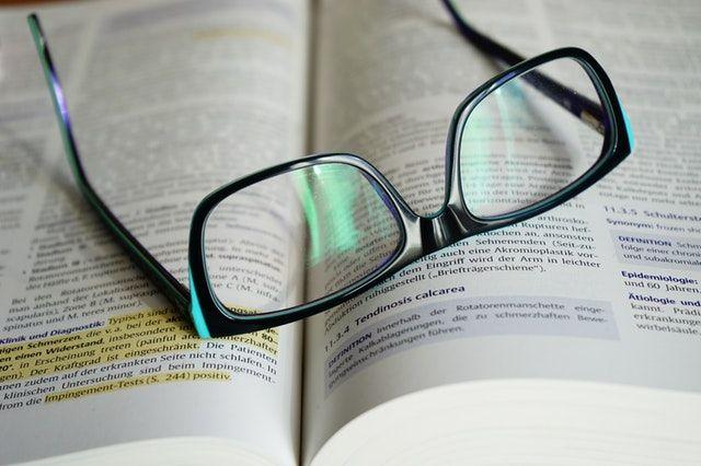 Okulary do czytania nasze społeczeństwo zaczyna użytkować w coraz to wcześniejszym wieku ze względu na coraz to dłuższy czas spędzany przed ekranem. #okulary #do #czytania | http://www.americanway.com.pl/produkty/okulary-do-czytania