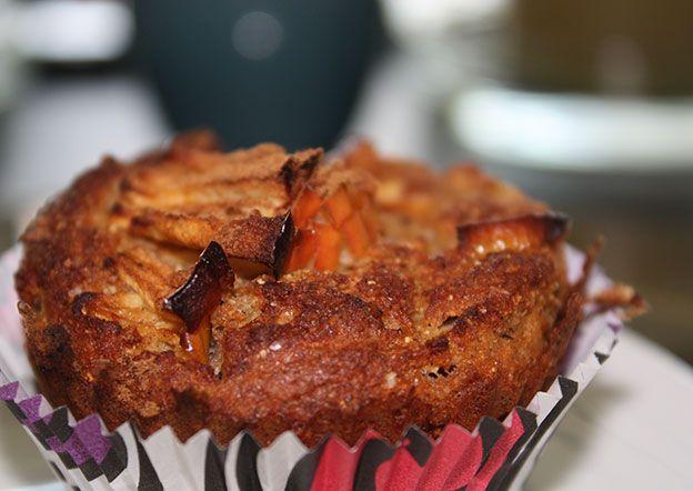 http://www.foodulution.com/wp-content/uploads/2015/04/Vegane-Buchweizen-Bananen-Apfel-Muffins.jpg - Vegane Apfel-Bananen-Muffins - Diese Muffins sind Gluten- und Milchfrei. Sie eignen sich für die Paleo-Küche genauso wie für Veganer als leckeren Tagesstart, Snack oder als Dessert. Die Buchweizenflocken bringen nicht nur eine leicht nussige Note in das Gericht, sondern auch gerade für Veganer wichtiges Pflanzliches Eiweiss. D...