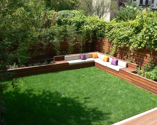 This looks neat. Straight design is perfect for our backyard. (Bricks instead of wood).