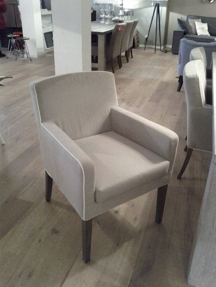 #9 Fabric chair with white contrast and armrests