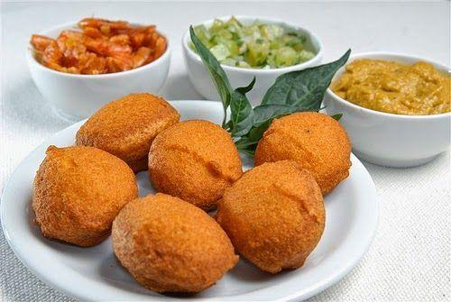 Recette d'acarajé, le beignet à pâte de haricot, farcis de vatapa aux crevettes. De fameux beignets brésiliens de la cuisine de Bahia qui ont fait plié la FIFA2014