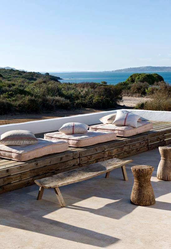 Natural outdoor terrace