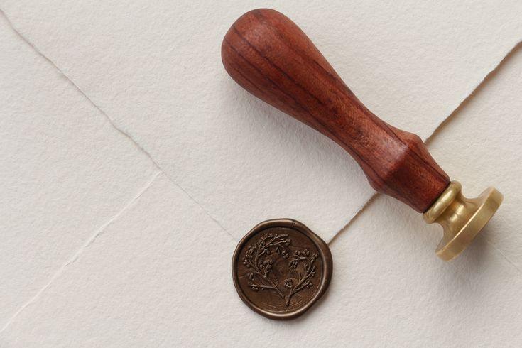 """Wax seal stamp """"Heart Branches"""" / Ștampilă sigiliu ceară """"Inimioară Crenguțe"""" / © PAPIRA invitatii de nunta personalizate"""